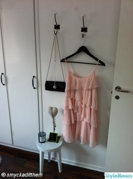 klänning,halsband,axelväska,smycken,ljuskopp