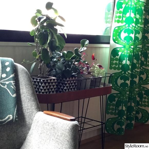 vardagsrum,loppisfynd,stringblombord,restaurerat,mönster