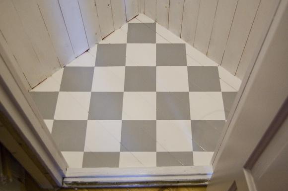 Inspiration Kok Radhus : rutigt golv litet k?k h?rnskafferi,platsbyggt ...
