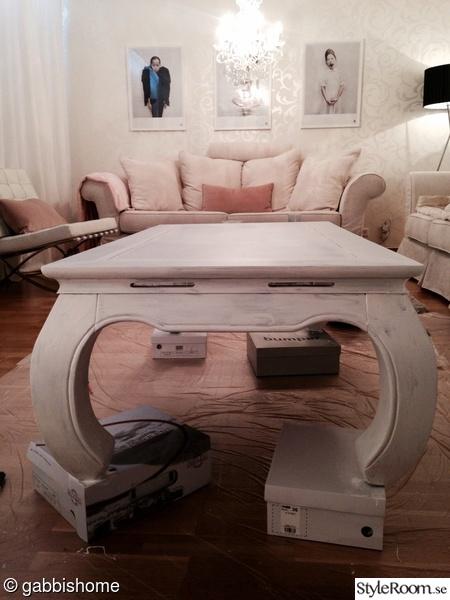 målning av möbler,soffbord med svängda ben,soffbord,vardagsrum,indiskt bord