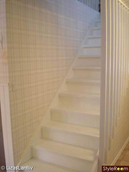 trappa,hall,lantligt,rutig tapet