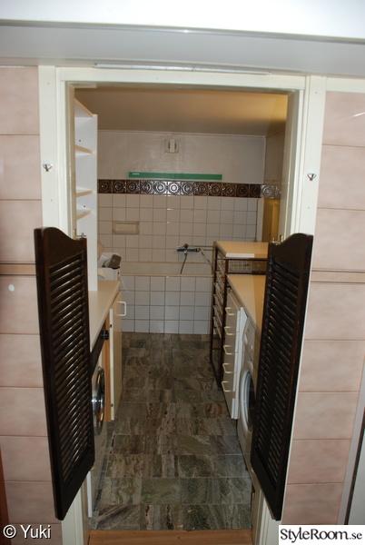 badrum,tvättstuga,före,renovering,saloondörrar