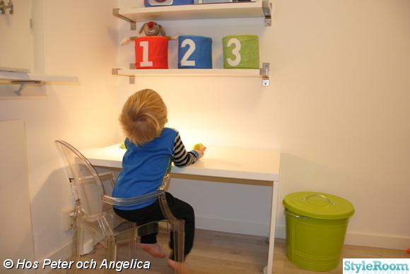 katrell,ghost,barnskrivbord,hylla,förvaring