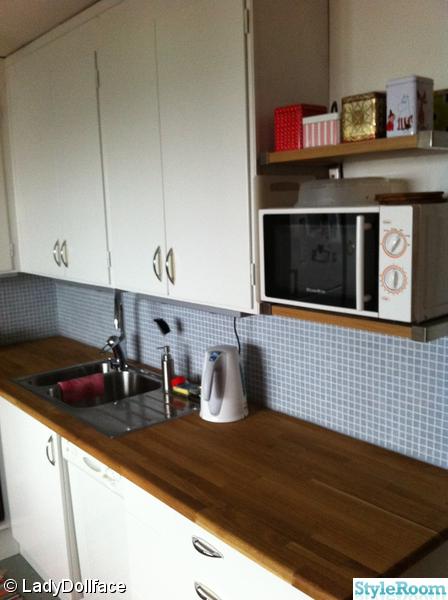 bänkbelysning kök lysrör : Vackert nytt klassiskt kök designat och ...