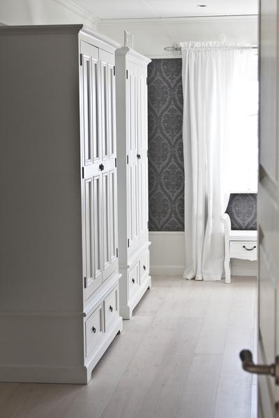 vita klädskåp,sovrum