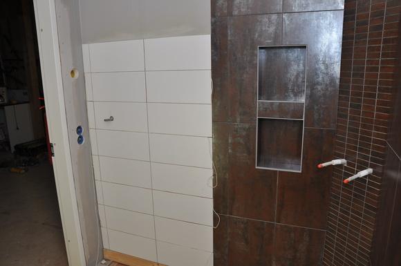 Vitt Kok Brunt Kakel : Inspirerande bilder po brunt badrum