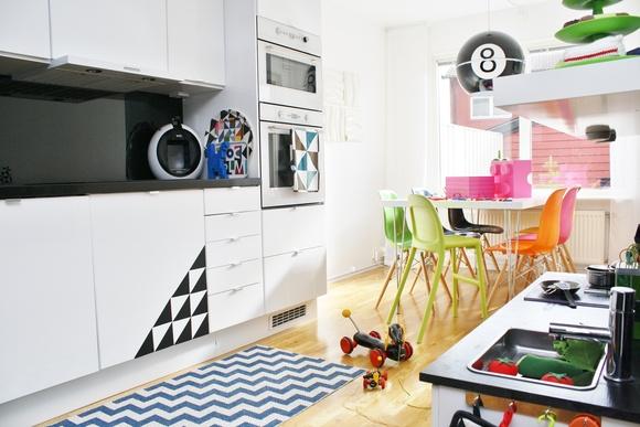 kök,matbord,färgglatt,lekfullt,diy