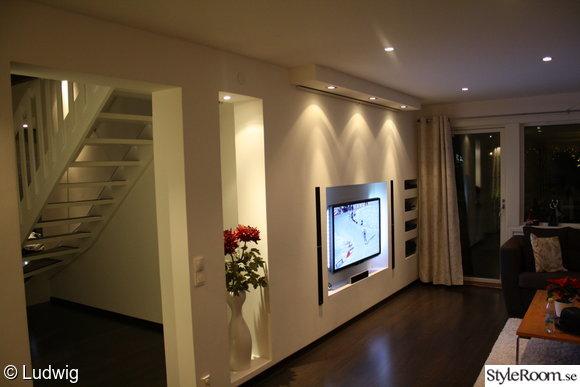 mediavägg,medialösning,inbyggd,tv,hål i väggen