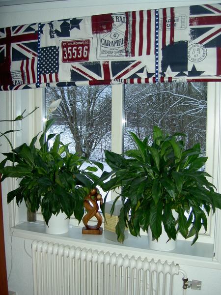 träfigur,kallor,flagga