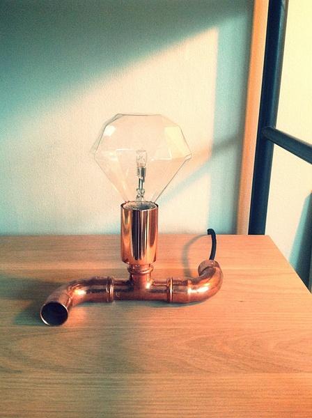 kopparlampa,diy lampa,glödlampa,vardagsrum,kopparrör