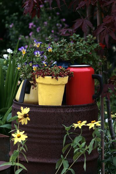 trädgård,junk style,krukor,loppisfynd