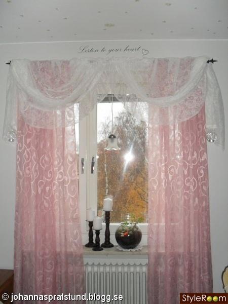sovrum,romantiskt,rosa,spets,gardiner