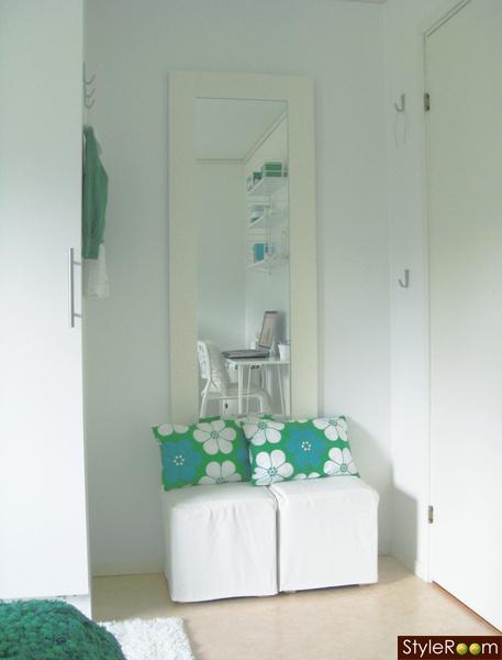 spegel sovrum sittpallar