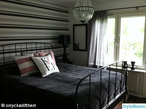sovrum,säng,kartell,kristallkrona,hemnes