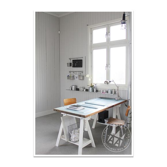 skrivbord,bockben,arbetsplats,industristol,gammal skola