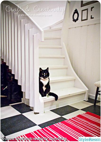 hall,rutigt,rutigt golv,trappa,rutor