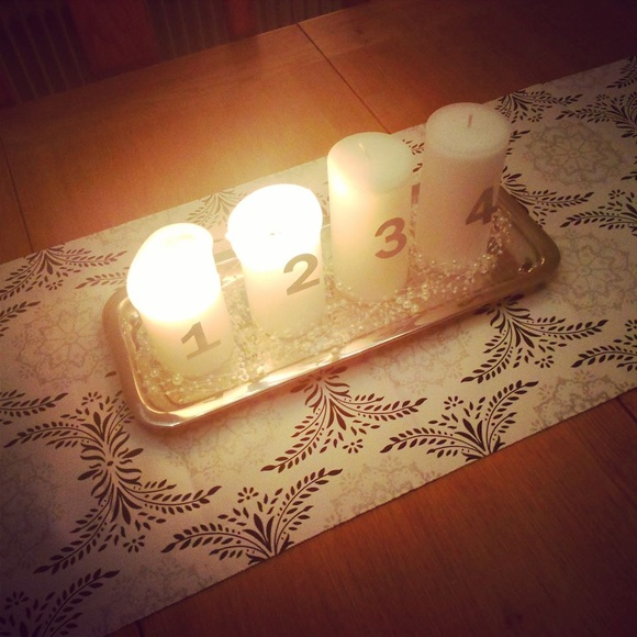 Bild på köksbord - Christmas in our house / Jul i vårt hus! av ...
