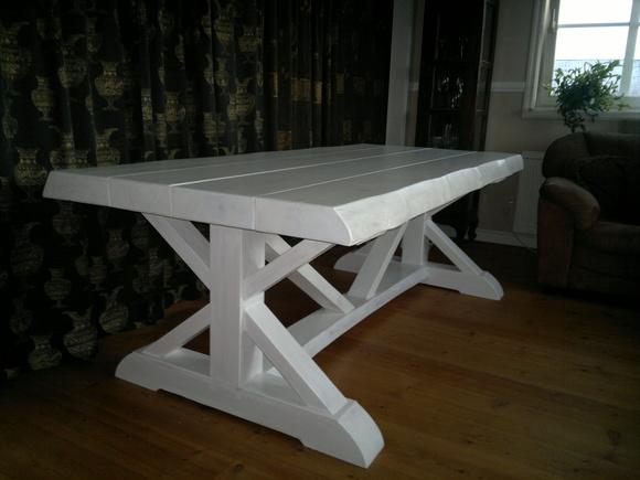 Vitt Koksbord : Vackert vitt koksbord  Diskutera Kop & Solj po StyleRoom