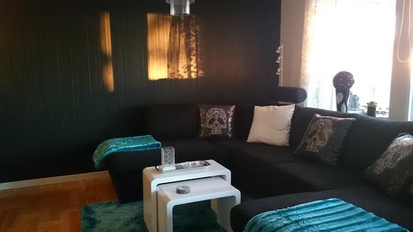 vardagsrum,soffa,divansoffa,plädar,teddypläd