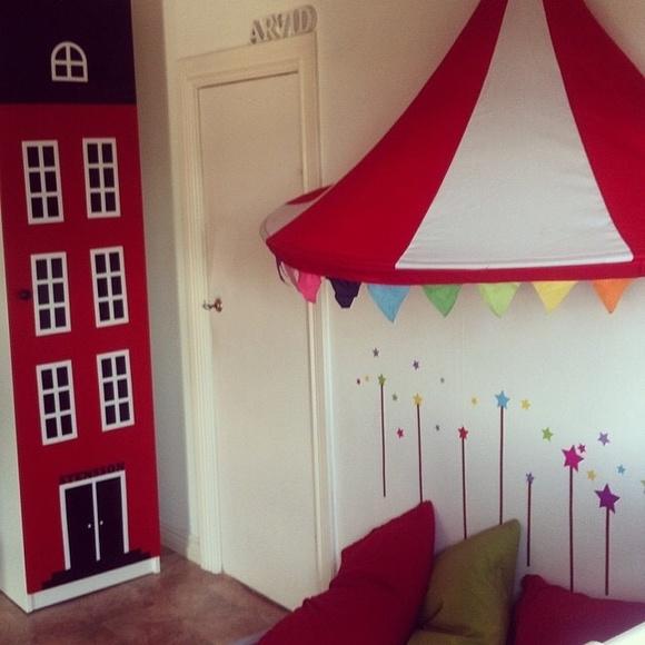 barnrum,husgarderob,cirkus,färgglatt,ikea