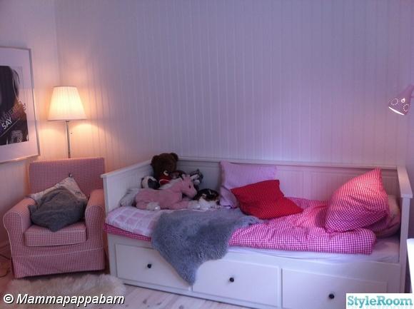 bäddsoffa,lådor under säng,säng med lådor,sänglakan,barnrum