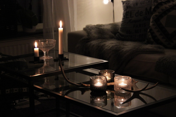 vittsjl,soffbord,ikea,renhorn,ljusstakar