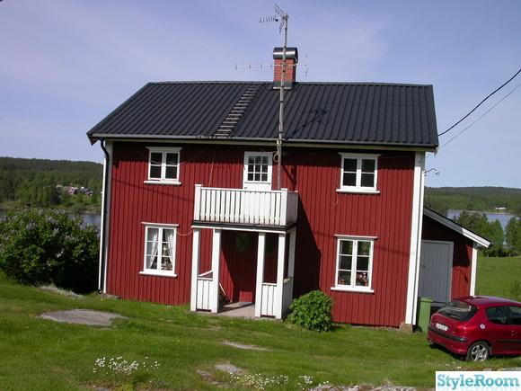 hus med röda knutar,sjöutsikt,husfasad,sommarhus