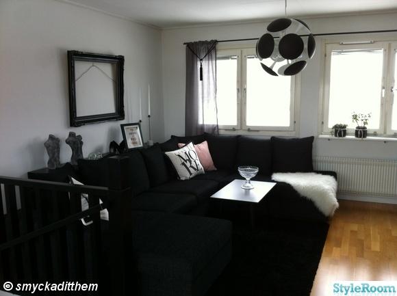 divan soffa,avlastningsbord,kuddar,taklampa,ram