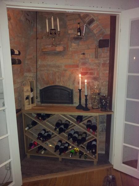 vinkällare,bakugn,vinhylla,vinförvaring,vardagsrum