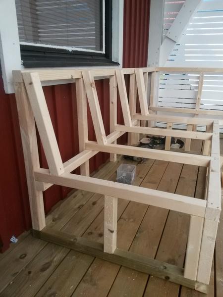 bild nr 8 platsbyggd soffa p altanen av pysselvix. Black Bedroom Furniture Sets. Home Design Ideas
