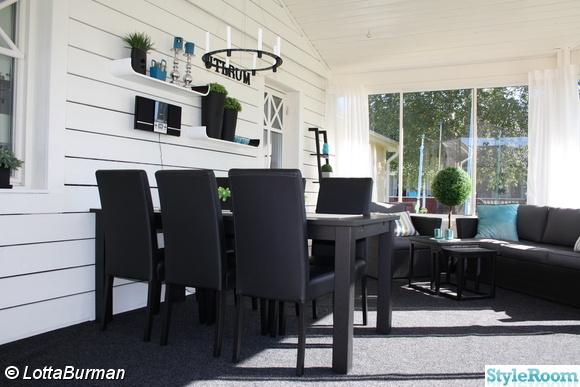 uterum,altan,inglasning,svart bord,trävägg