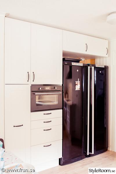 oppet Kok Och Vardagsrum :  vit bonkskiva  Vort lantliga kok, hall och vardagsrum  Turetott