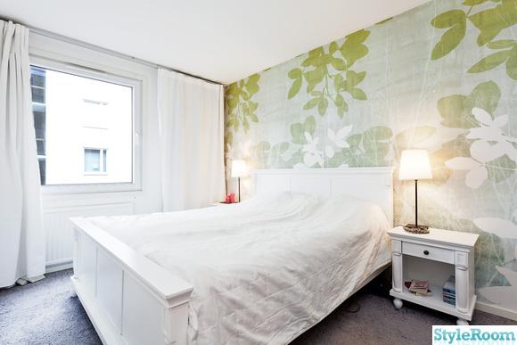 sovrum,grönt,säng,överkast,sänggavel