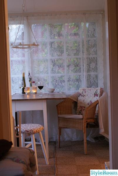 stuga,kolonistuga,veranda,romantiskt,lantstil