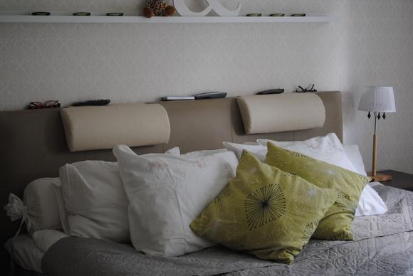 sänggavel fuskskinn