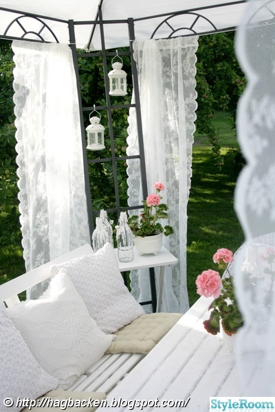 pergola,trädgård,vitt,lantligt,pelargoner