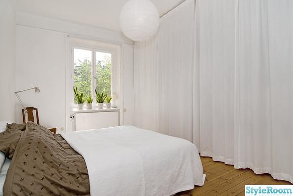sovrum,draperi,klädförvaring