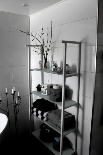 badrum,badrumshylla,förvaring,kandelaber,toalett