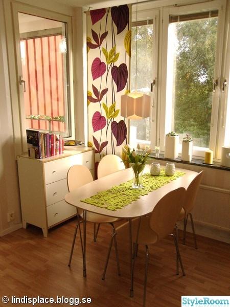 köksbord,kokböcker,duk,gardiner,tulpaner