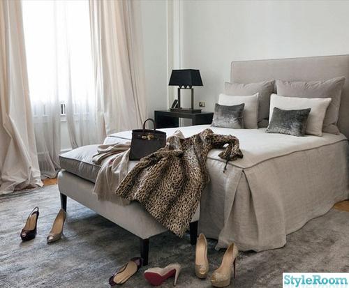Bedroom Sovrum En klippbok om inredning