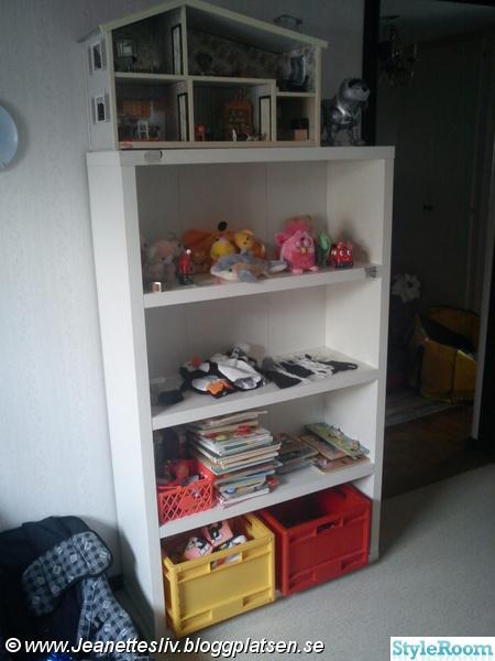 Bild på bokhylla Barnrum spädbarns rum av Chalelle
