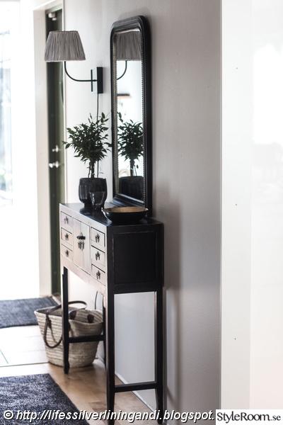 svart sideboard,hallmöbel,baazar,tinek,housedoctor