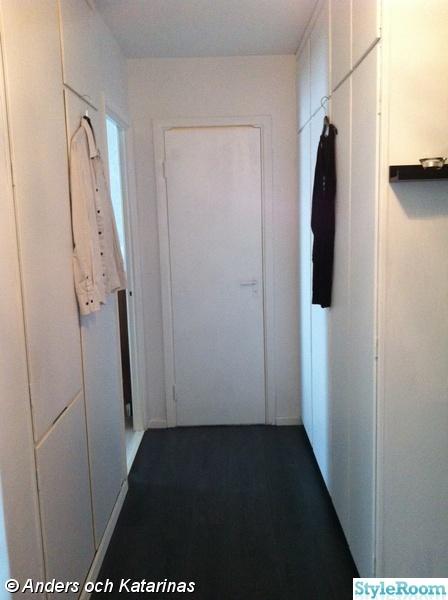 Golv Kok Och Hall : hallen,hall,svart och vitt,svart golv