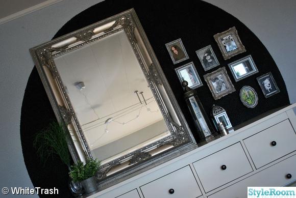 byrå,spegel,tavlor,ljuslyktor