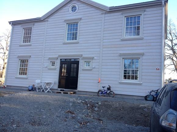 Husfasad och fönster på New England hus