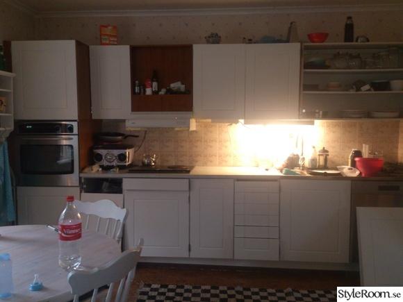 Platsbyggt Kok Kostnad : budget fix i koket, lantligt & modernt tapet med glasskiva istollet