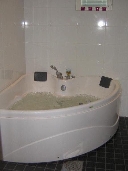hemmaspa,bubbelbad,pool,bubbelpool
