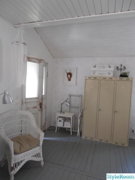 vardagsrum,klädskåp,plåtskåp,plåtskåp vardagsrum,omklädningsskåp