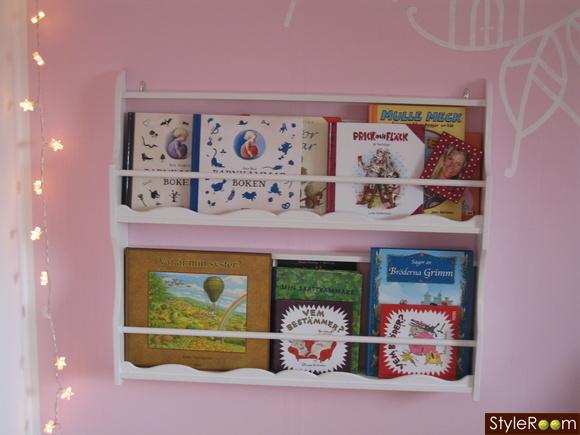 Inspirerande bilder på bokhylla barnrum