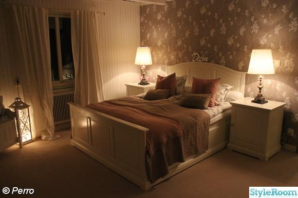 sovrum,säng,sänglampa